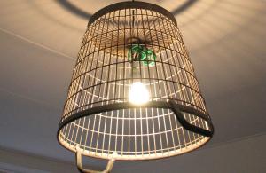 diy lamp van oude aardappelmand
